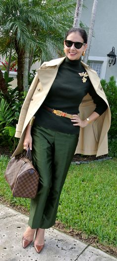 Susana Fernandez shows us who every women can dress up easy to look perfect and glamoures. Estilo Fashion, Fashion Over 50, All About Fashion, I Love Fashion, Work Fashion, Autumn Fashion, Womens Fashion, Look Office, Casual Chique