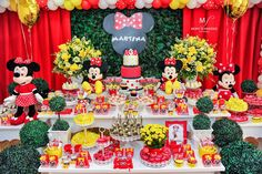 Minnie Mouse Birthday Theme, Minnie Mouse Party, Mouse Parties, Minnie Mouse Decorations, Birthday Decorations, Sunflower Birthday Parties, Picnic Cake, Birthday Invitations Kids, Party Venues