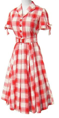Vintage Dress Red & White Cotton Plaid - I must say, the had some lovely clothes. how come its so hard to find clothes that actually cover you nowadays. This I would wear. Vintage Dresses 50s, Vestidos Vintage, Vintage Outfits, Vintage Clothing, Retro Dress, Rockabilly Clothing, 1950s Dresses, Rockabilly Fashion, Vintage Shoes