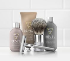 A Thousand Words About A Shaving Kit