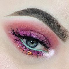 """1,146 Likes, 11 Comments - Benefit Cosmetics Canada (@benefitcanada) on Instagram: """"Oh my WOW… look at @baileyvanderveen's precise & defined brows, thanks to our Precisely, My Brow…"""""""