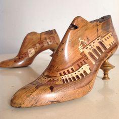 Forma di scarpe 2016... #zouganista #firenze #florence #sanfrediano #oltrarno #artigianato #madeinitaly #italy #italia #intarsio #inlay #legno #wood #shoelast #bespoke #decor