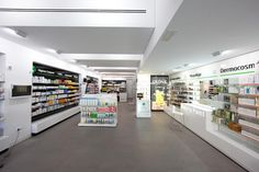 FARMACIA CAMINO SUÁREZ BY iPHARMA, MÁLAGA, SPAIN #farmacia #pharmacy