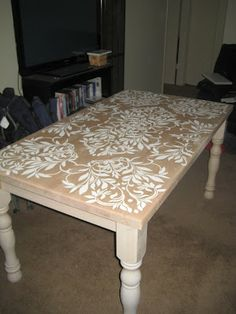 Stenciled DIY Kitchen Table <3..there are foam placemats at Bed Bath and Beyond and they would be a perfect stenciling tool....
