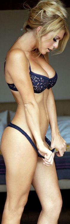 .Its So Small Now http://www.viralsexy.com