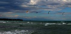Kitesurfing at thermaikos Kitesurfing, Photograph, Bird, Mountains, Nature, Travel, Animals, Photography, Animais