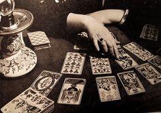 Isobel reading tarot cards. #nightcircus
