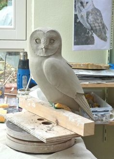 Fantastic Free of Charge clay pottery owl Popular Uilen in de maak You can find Pottery and more on our website.Fantastic Free of Charge clay pottery owl. Clay Birds, Ceramic Birds, Ceramic Animals, Clay Animals, Ceramic Art, Pottery Sculpture, Bird Sculpture, Sculpture Ideas, Bronze Sculpture