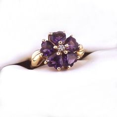 Vintage Amethyst Ring Amethyst Hearts, 14k Yellow Gold Ring, Flower... ($325) ❤ liked on Polyvore featuring jewelry, rings, heart shaped rings, 14k gold ring, 14k yellow gold ring, amethyst gold ring and amethyst heart ring