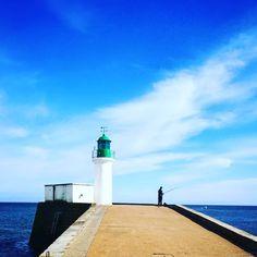 Fishing time #france #fishing #ocean #landscape #light #beach #sun #sky #atlantic #huawei #leica #port