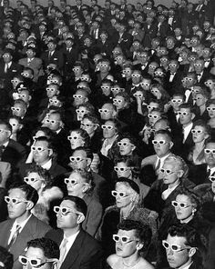 This iconic photograph by LIFE magazine photojournalist J. Eyerman turned 60 this past week. Shot at the Paramount Theater in Hollywood in the image shows the opening-night screening of the first ever full-length, color movie, titled Bwana Devil. Life Magazine, Iconic Photos, Old Photos, Legendary Pictures, Guy Debord, 3d Cinema, 3d Film, Paramount Theater, Walter Mitty