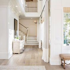 Natural light in a neutral and white home