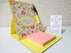 Porta post-it, se puede decorar de acuerdo a tu evento y el color que tu gustes. http://lauratarjetas.wix.com/laura-tarjetas#!cajas-y-bolsas/c2482