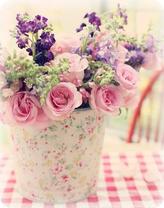 Cut flowers in a shabby chic bucket My Flower, Flower Power, Beautiful Flowers, Beautiful Flower Arrangements, Floral Arrangements, Sheep And Wool Festival, Rose Cottage, Home And Deco, Pretty Pastel