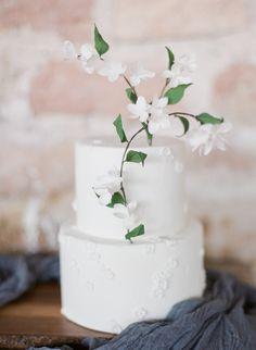 Photography: Alexandra Vonk | Cake: T Bakes | Styling & design: Branco Prata | Workshop: Greg Finck