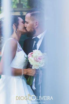 CASAMENTOS - Diogo Oliveira Photography - Fotógrafo de Casamentos Girls Dresses, Flower Girl Dresses, Fine Art, Instagram, Wedding Dresses, Natural, Flowers, Fashion, Wedding Photography