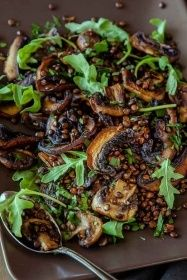 Mushroom, Lemon and Lentil Salad - this hearty vegan salad is great for lunches and picnics and can be made ahead of time. It is also gluten free. | Get the recipe at DeliciousEveryday.com