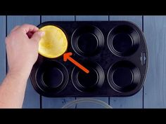 Put 6 halved fruit peels in the muffin pan. You'll be astonished at Healthy Diet Recipes, Snack Recipes, Dessert Recipes, Desserts, Whipped Frosting, Orange Fruit, Baking Cupcakes, Vanilla Flavoring, Chocolate Cupcakes