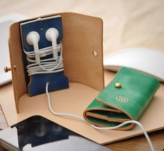 18JUE Leather Earphone Case