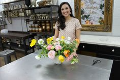 D Weddings | How to Make a Simple and Beautiful Flower Arrangement