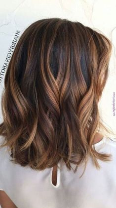 37 Hair Colour Trends 2019 for Dark Skin That Make You Look Younger – Hair Colour Style - Frisuren Best 2020 Hair Color For Dark Skin, Dark Hair, Blonde For Dark Skin, Summer Hair Colour, Ombre Hair, Balayage Hair, Curly Hair Styles, Natural Hair Styles, Blonde Lace Front Wigs