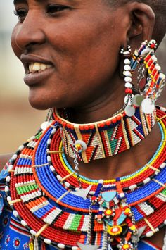 A large number of Masai villages, especially near Masai Mara National Park, have become increasingly commercialized over the past couple of decades, but there are still exceptions like the Masai Villa African Necklace, African Beads, African Jewelry, Tribal Jewelry, African Tribes, African Women, African Art, African Culture, African History