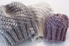 Hobbies For 7 Year Olds Baby Hat And Mittens, Baby Hats Knitting, Sweater Knitting Patterns, Knitting For Kids, Knitted Hats, Stitch Patterns, Crochet Patterns, Baby Barn, Baby Kind