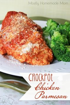 Crockpot Chicken Parmesan - Chicken with a parmesan garlic breading, gets topped with marinara and cooks away all day in the Crockpot - the easiest chicken parm recipe ever! This would be interesting, hope it actually works Crockpot Dishes, Crock Pot Slow Cooker, Crock Pot Cooking, Slow Cooker Recipes, Crockpot Recipes, Cooking Recipes, Cooking Time, Dinner Crockpot, Easy Chicken Parm Recipe