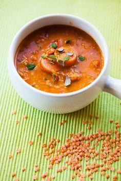 Polévka z červené čočky s kari