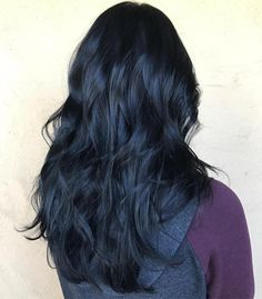 Blue Black Layered Hair http://eroticwadewisdom.tumblr.com/post/157384978092/hot-and-sexy-medium-hairstyles-for-round-faces