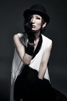 Sono, Matenrou Opera #visualkei #japan #japanese #musician #costumes #gothic #goth