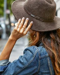 A CUP OF JO: Fall trend: Grey nails