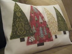 DIY: Christmas Tree Pillow