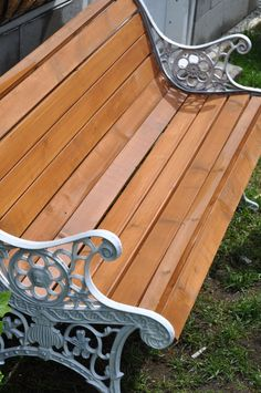 Restoring A Park Bench (aka saving it from the garbage heap Cast Iron Garden Bench, Cast Iron Bench, Cinder Block Bench, Victorian Gardens, Bench Designs, Diy Bench, Iron Gates, Cool Paintings, Patio Design
