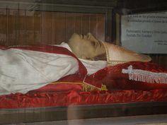 St. Juan M Riera Moscoso, religioso nacido en la ciudad de Ambato, Ecuador, el 28 de enero de 1866.