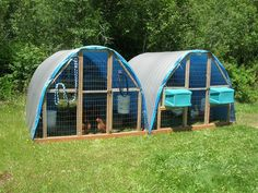 "Building a Hoop Style Open Grazing Tractor for Chickens Homesteading - The Homestead Survival .Com ""Please Share This Pin"" Keeping Chickens, Raising Chickens, Chicken Coop Decor, Chicken Coops, Chicken Houses, Farm Chicken, Chicken Feeders, Cattle Panels, Meat Rabbits"