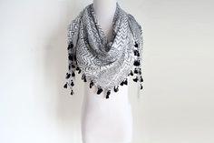 STYLE NO: 16SS0014 DESCRIPTION: Fashion Blk-wht Print square scarf SIZE: 100*100+3*4 CM 50G COMPOSITION: 100% Viscose MOQ: 800 pcs LEAD TIME: 60 days