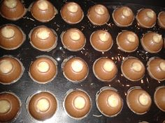 Marzipan Cream Chocolates by Billy_Kristina Chocolate Pops, Chocolate Delight, Chocolate Desserts, Chocolates, Best Fat Loss Diet, Marzipan Creme, Strawberry Cake Pops, Baby Bottle Storage, Chocolate Boutique