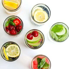 These infused water recipes can make drinking water easier and more interesting! Find out how to make infused water and try these 7 delicious recipes. Ww Recipes, Low Carb Recipes, Real Food Recipes, Healthy Recipes, Drink Recipes, Recipies, Infused Water Recipes, Fruit Infused Water, Infused Waters