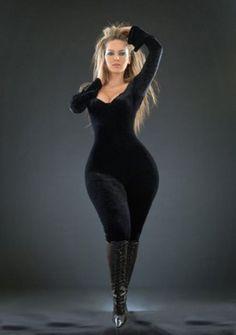 Looks fantastic on plus size sexy girl. Nicole Richie, Christina Aguilera, Beyonce, Rihanna, Michelle Trachtenberg, Modelos Plus Size, Moda Plus Size, Plus Size Beauty, Voluptuous Women