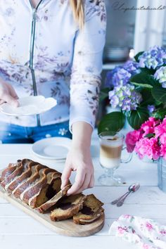 , Bundt Cake espresso and cocoa Cafe Express, Bunt Cakes, Loaf Cake, Espresso Cups, Cocoa, Delish, Bakery, Cooking, Breakfast