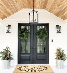 How many ways can you style a Therma-Tru entry? So many ways! Browse our inspiration photo gallery for great ideas from you all! We are so inspired by you. Door Design, Exterior Design, Front Door Lighting, Christmas House Lights, Modern Farmhouse Exterior, Farmhouse Front Doors, Modern Porch, Modern Entry, Modern Front Door