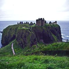 Dunnottar Castle is a dramatic and evocative ruined cliff-top fortress in a truly stunning setting. And just a half hour's drive from Aberdeen, Europe's oil-capital.   William Wallace and Mary Queen of Scots graced the Castle with their presence. Most famously though, it was at Dunnottar Castle t...
