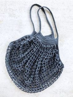 [i-bks]French Market Bag - free crochet pattern at Two of Wands.