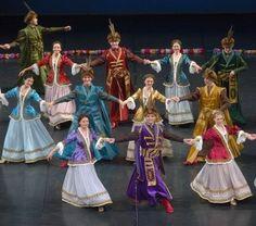 Polish Clothing, Folk Clothing, Historical Clothing, Poland History, Folk Dance, Arte Popular, My Heritage, My People, Dance Costumes