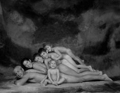 First of all, I do NOT like this at all. Horrible and awkward family portrait. Really? WTF!!!?