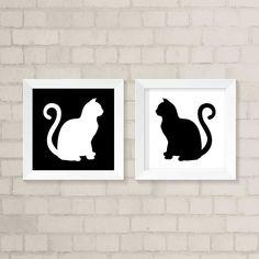 Dê mais vida à sua decorção com o nosso kit de quadros decorativos. São 2 quadros com o tema de gatos.  Cada quadro possui a moldura branca de 23,5 x 23,5 cm e frente de vidro.  Gravura impressa com qualidade fotográfica, tamanho: 20 x 20 cm.    OBS: para a moldura preta, é só solicitar no campo ...