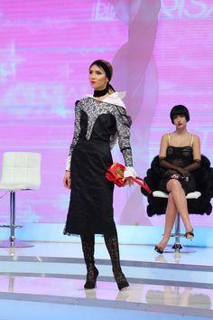 EDITIA 4 Fashion Art, Womens Fashion, All Star, Stars, Formal Dresses, Dresses For Formal, Women's Fashion, Sterne, Woman Fashion