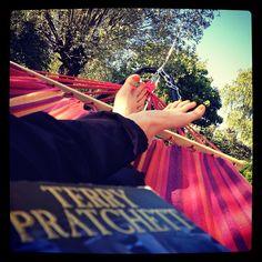 Terry Pratchett, summer, hammock