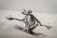 zen spoon frog 2019 zen spoon frog The post zen spoon frog 2019 appeared first on Metal Diy. Welding Art Projects, Metal Art Projects, Metal Crafts, Diy Welding, Blacksmith Projects, Diy Projects, Metal Yard Art, Metal Tree Wall Art, Scrap Metal Art
